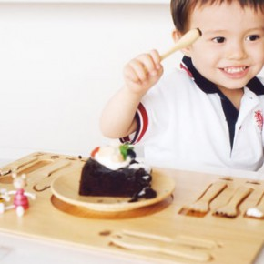Mixing Japanese aesthetics with Western lifestyle trends: bamboo tableware for kids