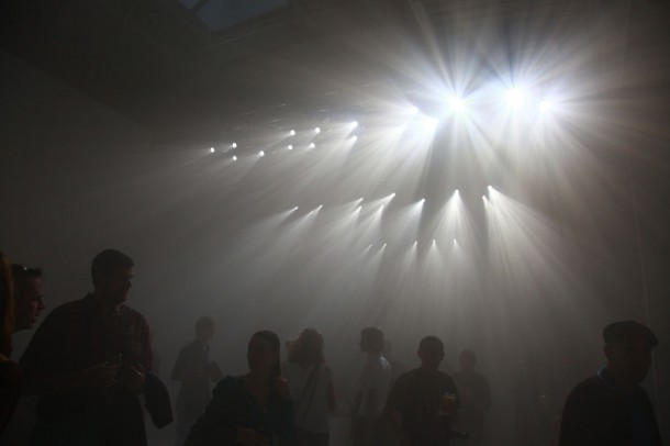 The exhibition by Tokujin Yoshioka reminded the audience of natural phenomenon.