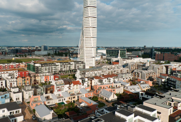 The narrow streets of Western harbour with Turning Torso in the background