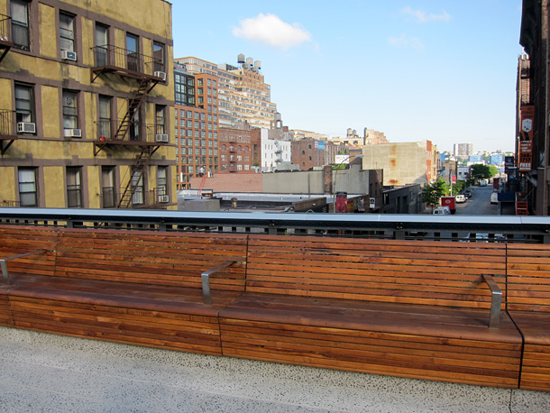 A bench at the New York Highline