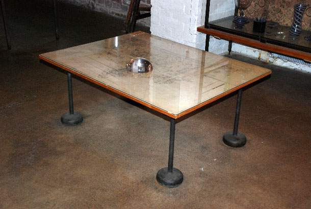 Table designed by Kaj Franck
