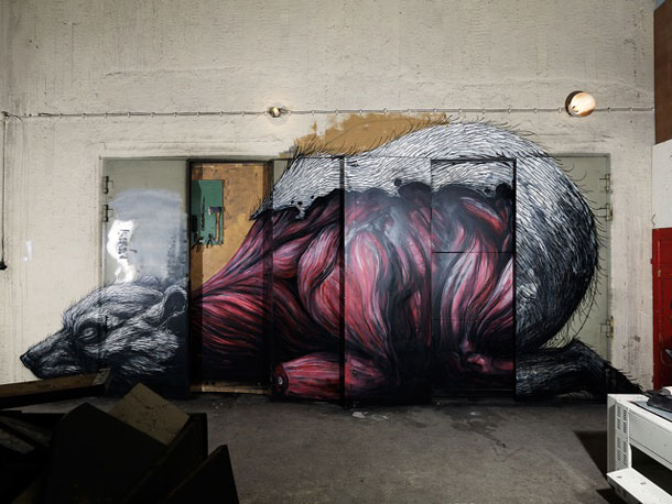 Urban art by Roa