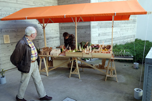 grocery-stand-olof-kolte