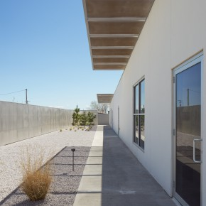 The inde/jacobs art gallery building in Marfa, Texas