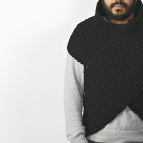 Wool wrap by Carga hand knitted in Catalonia
