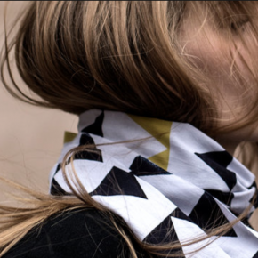 Crisp, graphic and playful scarf by OeO for Kamawanu